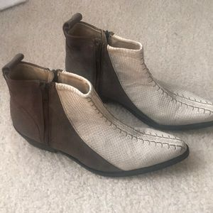 Free people boot  lizard print distressed Size 9